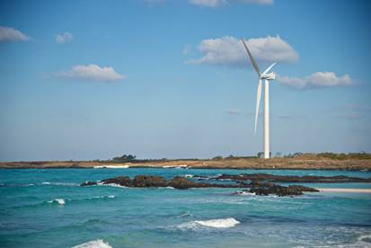 Hyundai Heavy's 5.5 MW Offshore Wind Power Turbine Installed on Jeju Island