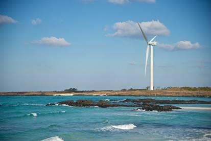Hyundai Heavy's 5.5 MW Offshore Wind Power Turbine Installed on Jeju Island